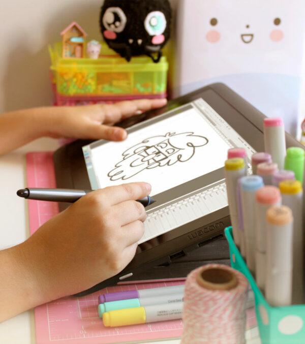 sello-personalizado-y-caricatura-alba-la-tienda-eio-ilustracion