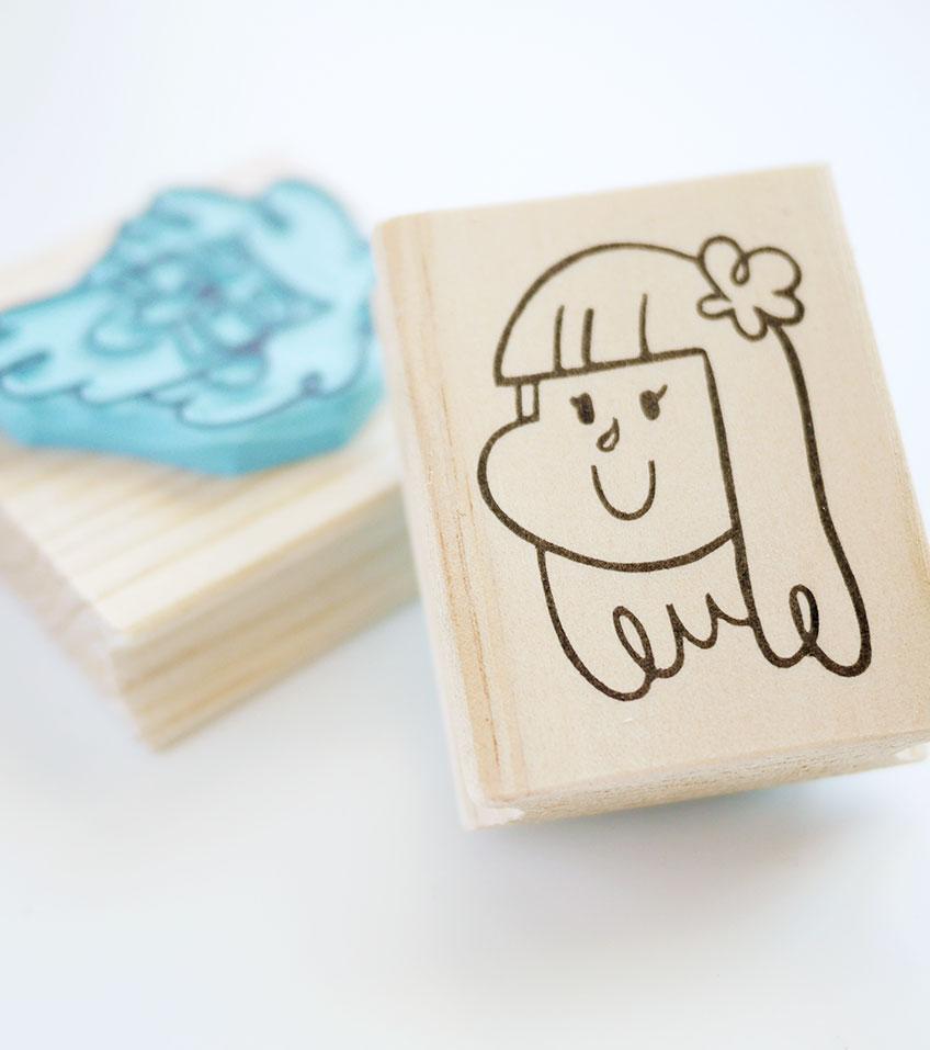 sello-personalizado-y-caricatura-la-tienda-eio-ilustracion