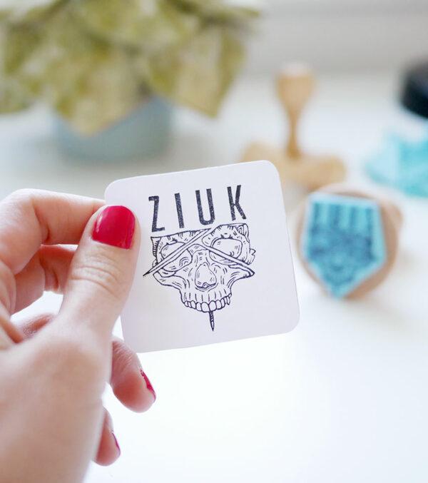 ziuk-logo-ana-sola-carvado-de-sellos-personalizados-de-goma