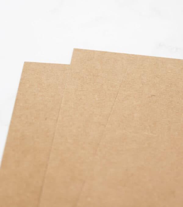 cartulina-color-kraft-A4-materiales-carvado-sellos-ana-sola