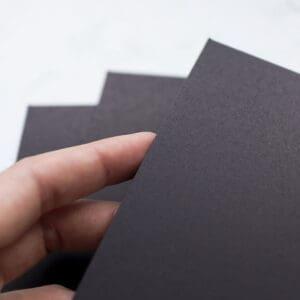 cartulina-negro-A4-materiales-carvado-sellos-ana-sola