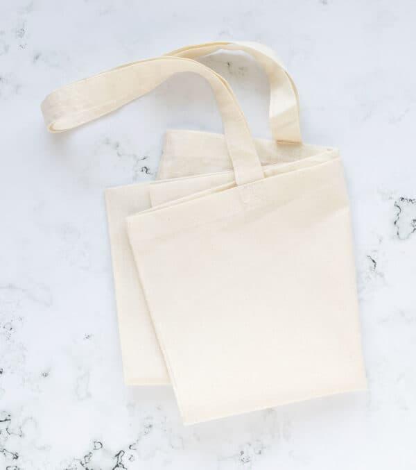 tote-bag-bolsa-de-tela-color-crudo-materiales-carvado-sellos-ana-sola-2