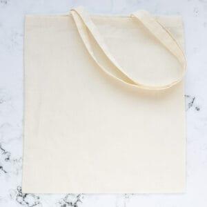 tote-bag-bolsa-de-tela-color-crudo-materiales-carvado-sellos-ana-sola